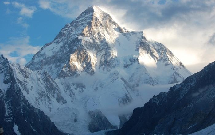 Чогори - горная вершина высотой 8614 метров.   Фото: bakimliyiz.com.