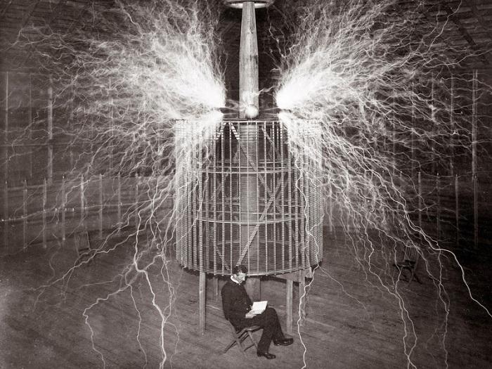 Никола Тесла - известный физик-изобретатель. | Фото: roboticsandautomationnews.com.