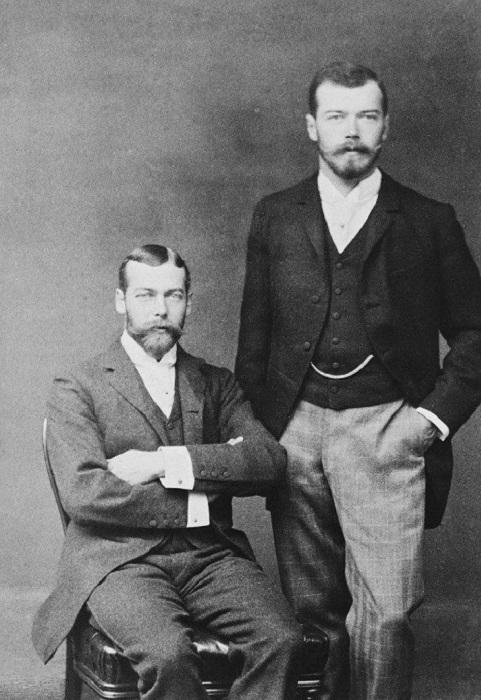 Двоюродные братья Николай II и Георг V. | Фото: diaryrh.ru.
