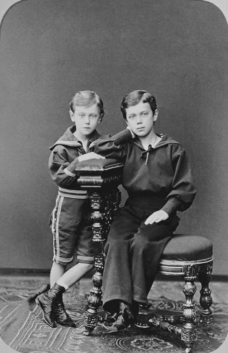 Николай II <br> и Георг V в детстве. | Фото: historicplay.livejournal.com.