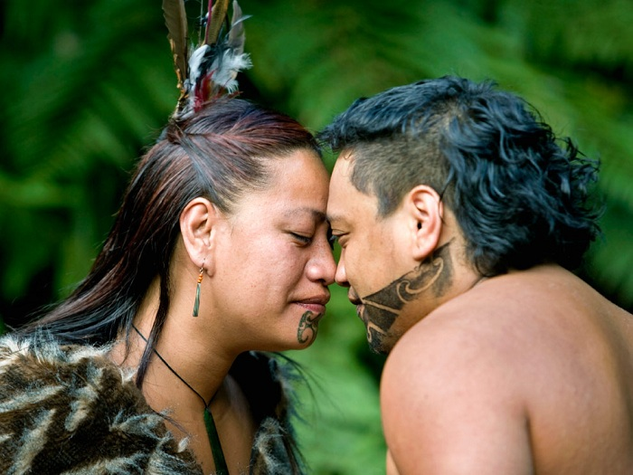 Племя маори, которое целуется носами. | Фото: photopedia.su.