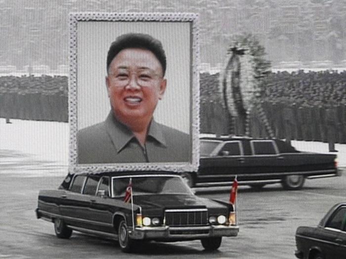 Ким Чен Ир - северокорейский лидер. | Фото: static8.businessinsider.com.
