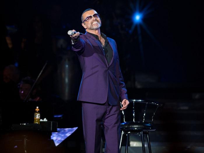George Michael - популярный британский певец. | Фото: i.huffpost.com.