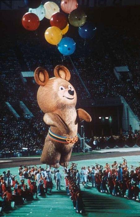 Олимпийского Мишку создал Виктор Чижиков. | Фото: ammo1.livejournal.com.