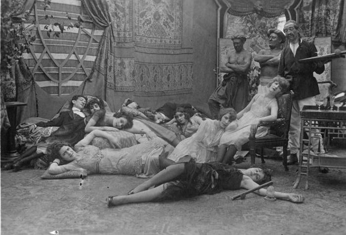 Кадр из к/ф Dandy-Pacha, 1920 год.
