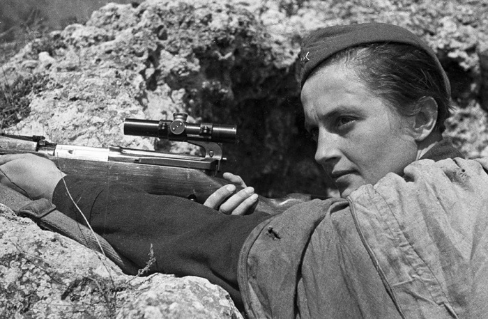 Советский снайпер Людмила Павличенко. | Фото: pandoraopen.ru.