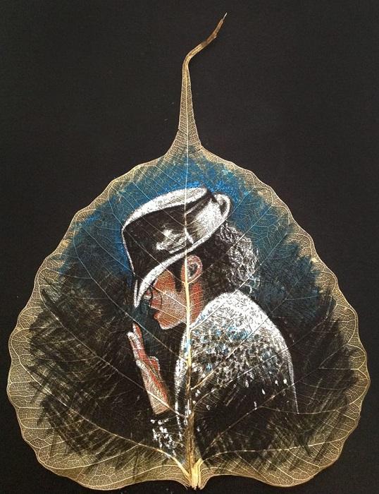 Изображение Майкла Джексона на листке. | Фото: odditycentral.com.
