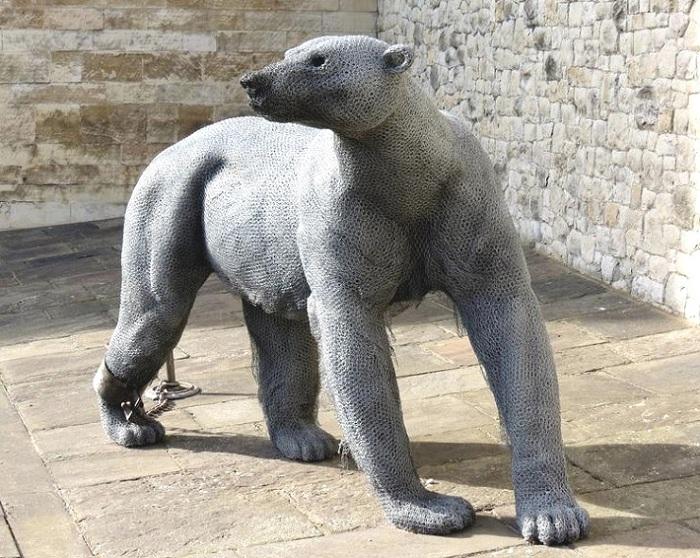 Медведь. Выставка «Royal Beasts».