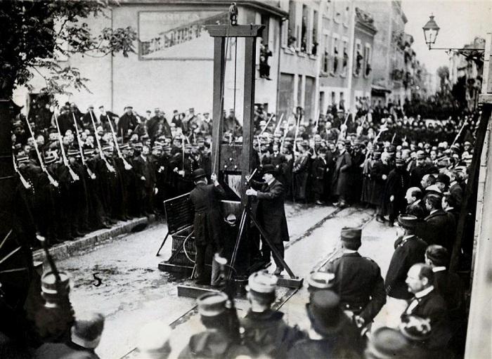 Последняя публичная казнь в 1939 году. | Фото: yaustal.com.