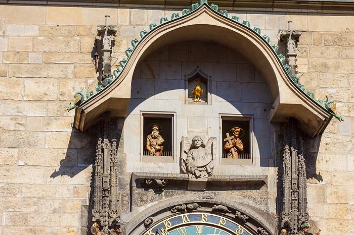 Апостолы, сменяющие друг друга каждый час. | Фото: ic.pics.livejournal.com.