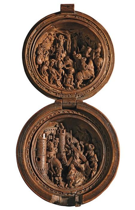 Prayer Nut - шедевр средневековых голландских мастеров.