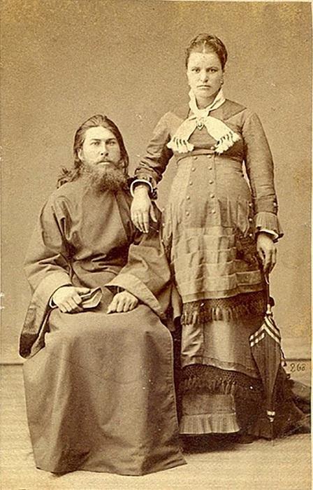 Беременные носили платья с многочисленными драпировками. | Фото: livemaster.ru.
