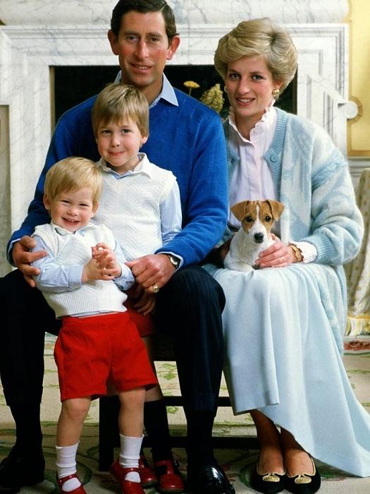 Принц Чарльз и принцесса Диана с сыновьями Уильямом и Гарри. | Фото: 3.bp.blogspot.com.