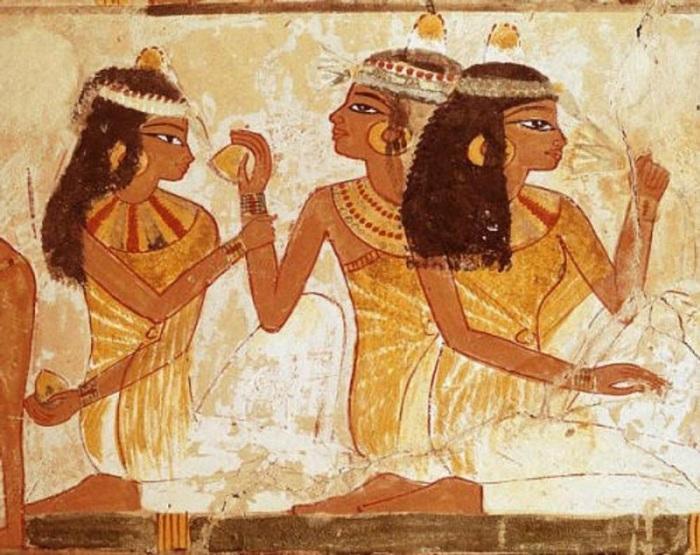 В Древнем Египте в качестве пудры использовали белую глину. | Фото: wowlook.com.ua.