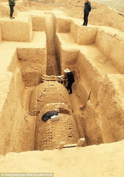 Китайские археологи раскопали древние гробницы. | Фото: dailymail.co.uk.