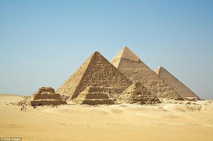 Пирамиды в Египте. | Фото: dailymail.co.uk.