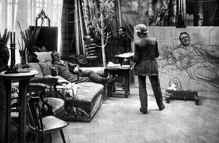 Илья Репин работает над портретом Фёдора Ивановича Шаляпина. | Фото: bellezza-storia.livejournal.com