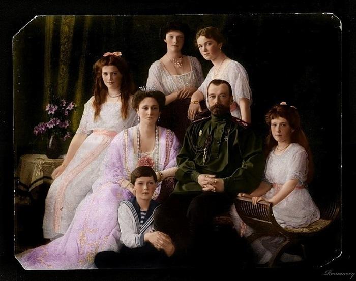 Императорская семья РомановыÑ. | Фото: img-fotki.yandex.ru.