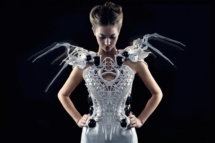 Платье, «защищающее» своего владельца.