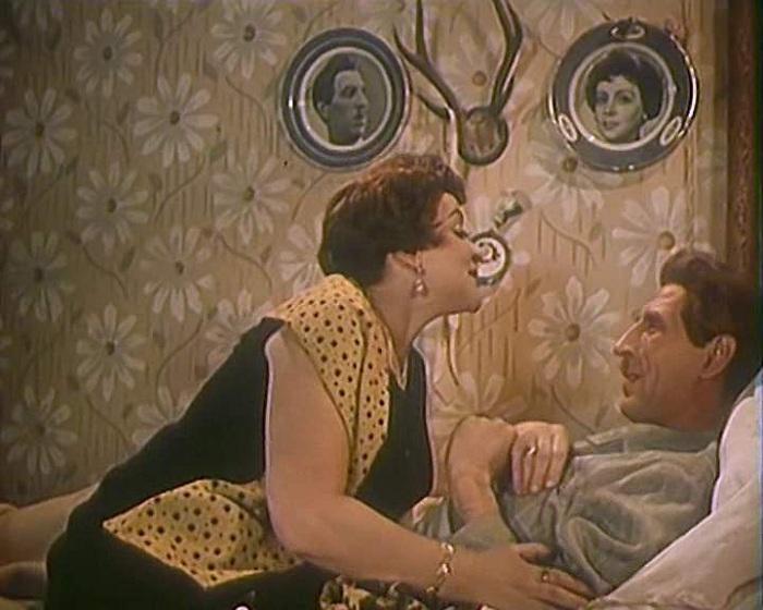 «Масик хочет водочки» - крылатая фраза из к/ф «Девушка без адреса» (1957). | Фото: magnet.211.ru.
