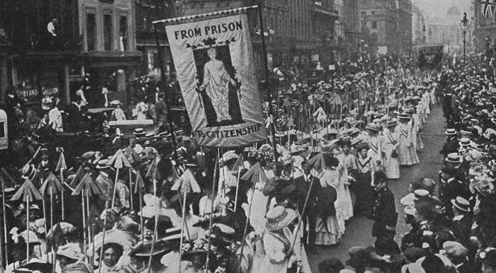 Демонстрация суфражисток в Лондоне, март 1910 г. | Фото: moya-planeta.ru.