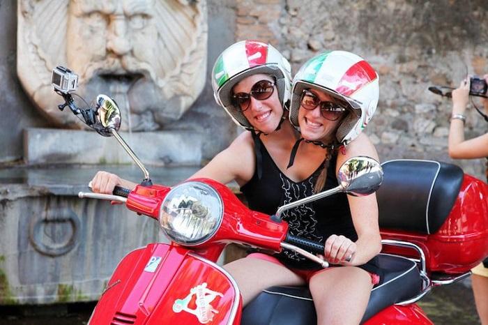 Сиамские близнецы Эбигейл и Британи Хенсел (Abigail Brittany Hensel). | Фото: carloscardenasborja.blogspot.com.