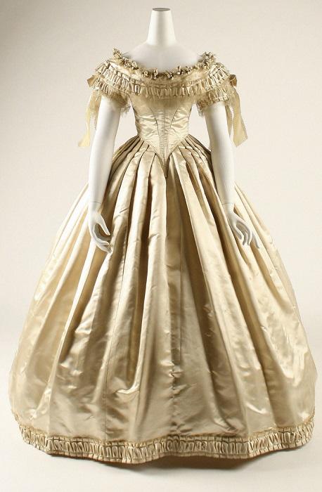 Шелковое платье. США, 1859 год. | Фото: fiveminutehistory.com.