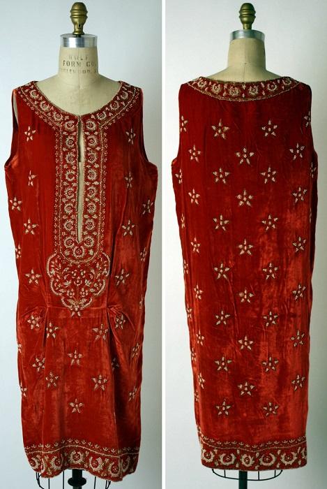 Шелковое платье, 1925 год. | Фото: fiveminutehistory.com.