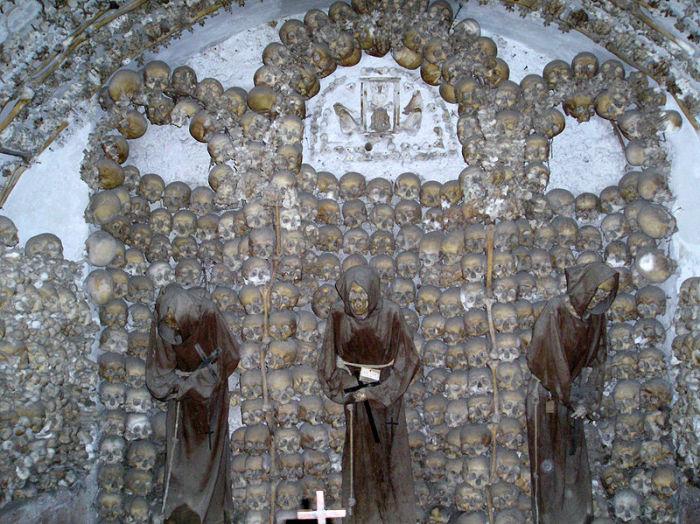 Крипта римской церкви Санта-Мария-делла-Кончеционе. | Фото: ru.wikipedia.org.