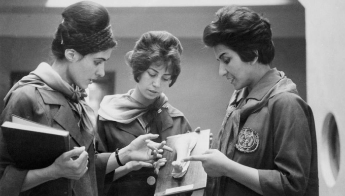 В довоенную эпоху середины 20 века афганские женщины могли выбирать себе любую профессию.