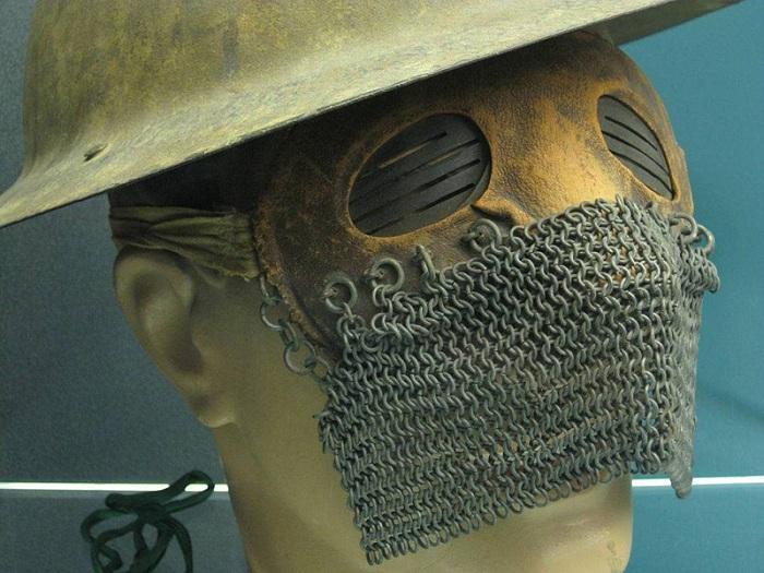 Защитная маска танкиста Первой мировой войны.