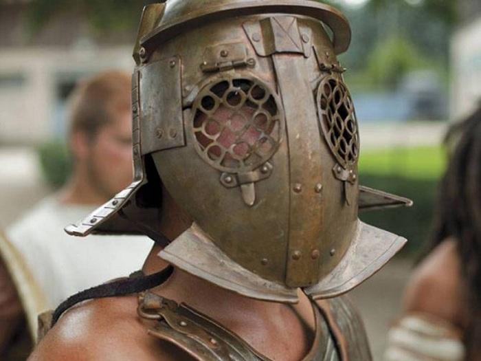 Гладиаторский шлем.