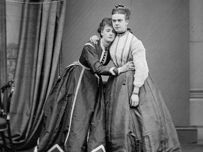 Frederick Park и Ernest Boulton - первые мужчины, вышедшие на улицы Лондона в образе женщин.