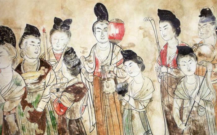 В Китае грудь перетягивали лентами дуду.