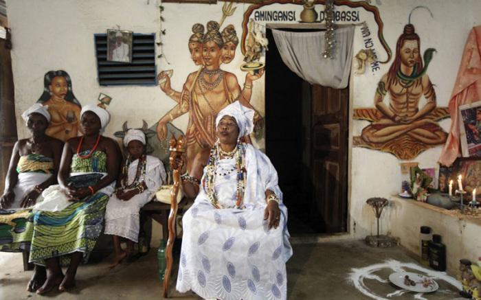 Вуду на Гаити - это смешение католицизма и африканских божеств.