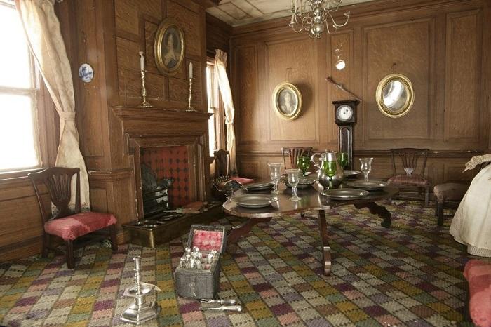 Кукольный дом позднего периода викторианской эпохи 1890: Amy Miles House.
