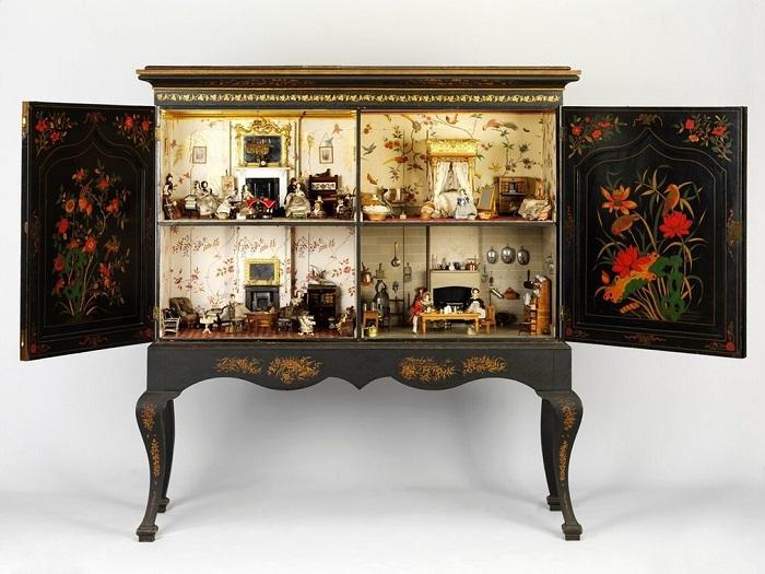 Кукольный дом 1830-1839 гг. : Killer Cabinet.