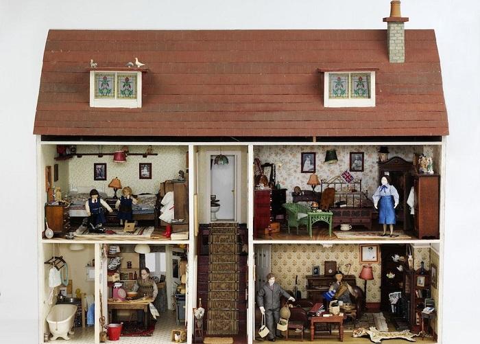 Кукольный дом конец 1980-х - 1990-е гг. : Hopkinson House.