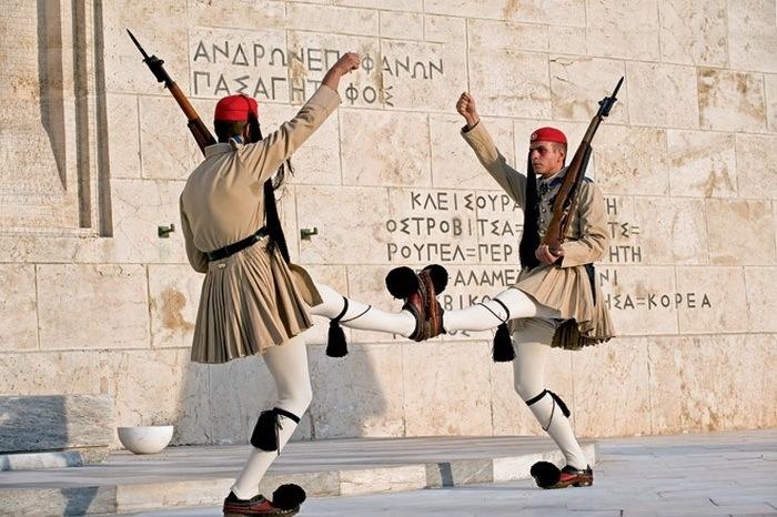 Форма военных в Греции.