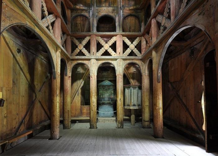 Ставкирка Боргунд - древняя церковь, построенная из ясеня. | Фото: colors.life.
