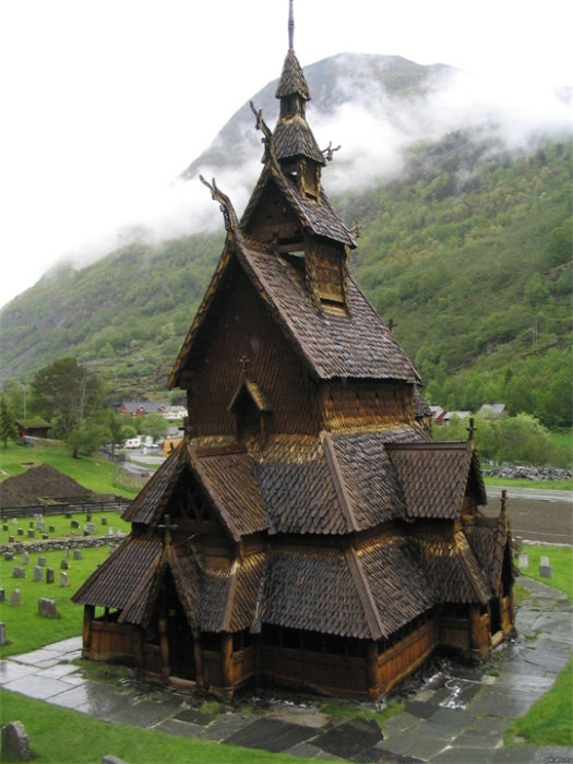 Каркасная деревянная церковь (ставкирка). | Фото: vilingstore.net.