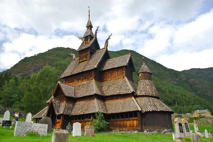 Stavkyrke Borgund - деревянная каркасная церковь XII века. | Фото: panoramio.com.