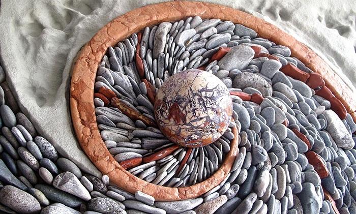 Andreas Kunert and Naomi Zettl создают уникальные мозаичные композиции.