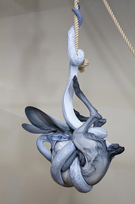 Скульптура, олицетворяющая человеческие страхи.