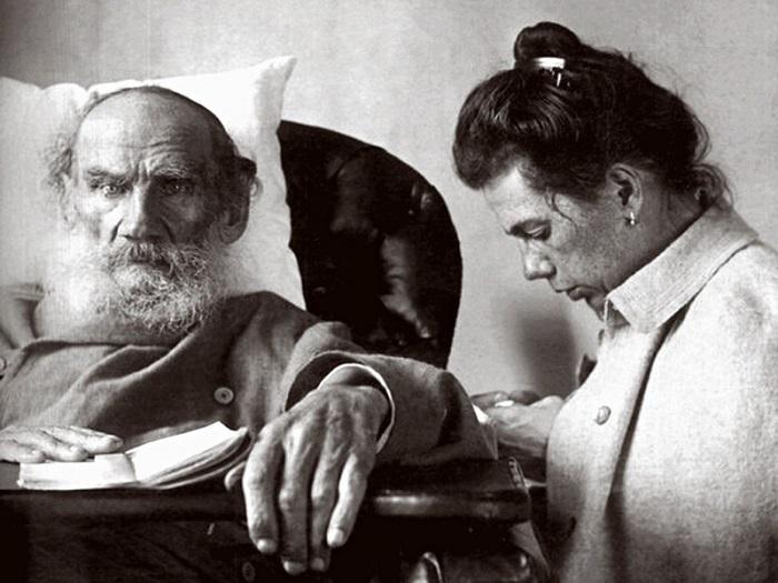 Лев Толстой и Софья Берс. | Фото ic.pics.livejournal.com.
