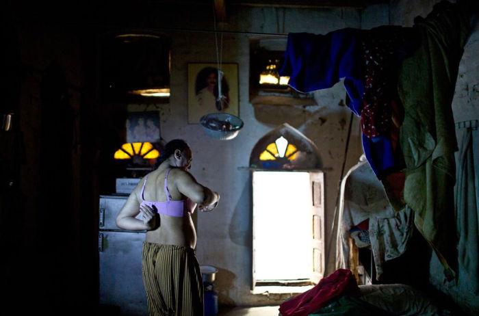 Трансгендеры открывают «истинное лицо» в основном только по вечерам. | Фото: moya-planeta.ru.