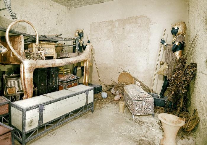 Артефакты из гробницы Тутанхамона.