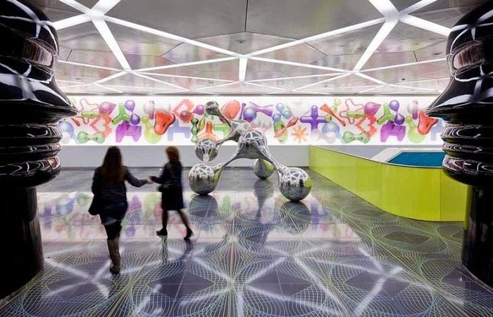 Станция «Университет». Дизайн Карима Рашида.