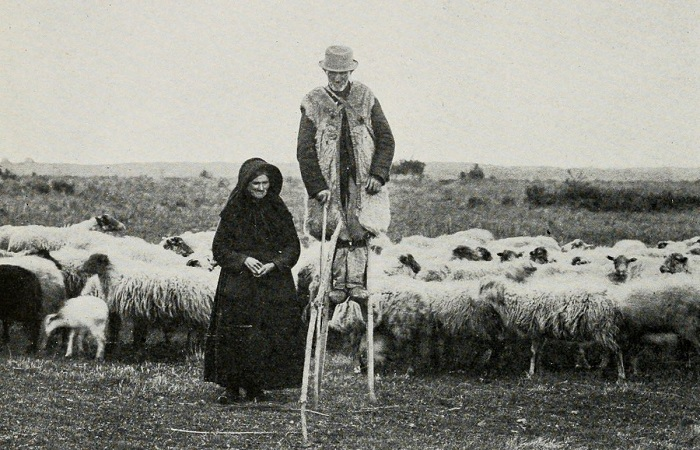 Пастух на ходулях. Снимок 1908 г.