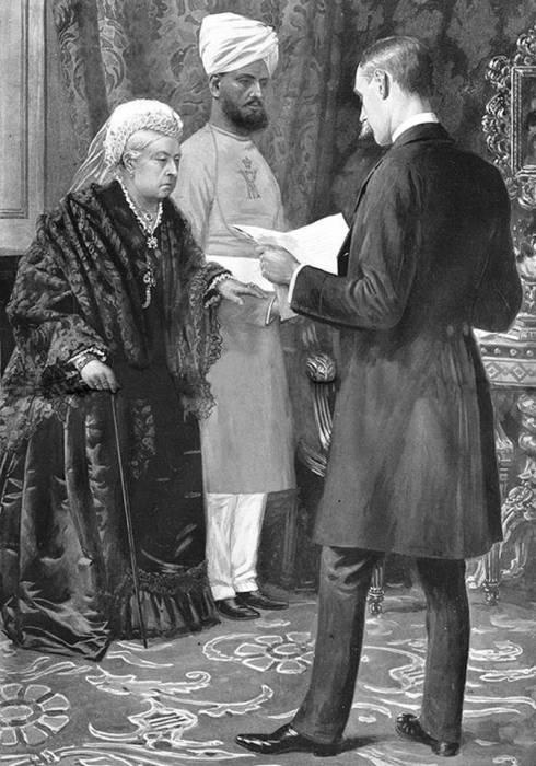 Королева Великобритании Виктория и ее слуга-индус. | Фото: lowrie-chin.blogspot.com.